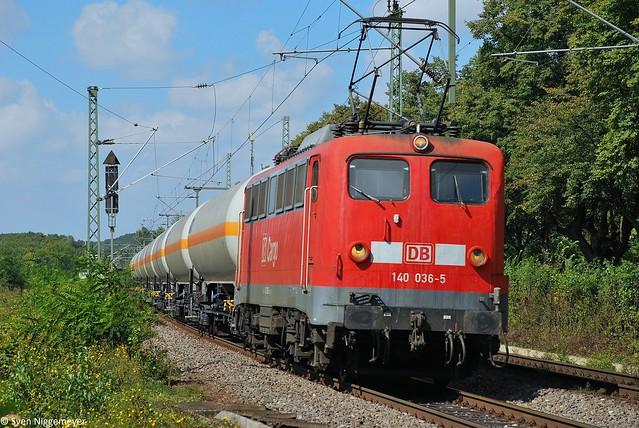 140 036-5 mit einem Kesselwagenzug in Bonn-Oberkassel am 4.09.10