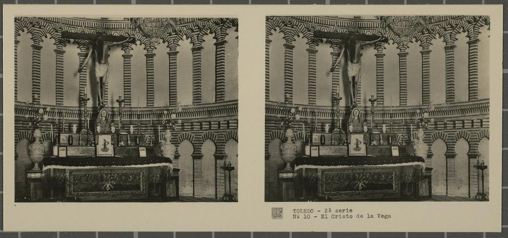 Cristo de la Vega en la Basílica de Santa Leocadia. Colección de fotografía estereoscópica Rellev © Ajuntament de Girona / Col·lecció Museu del Cinema - Tomàs Mallol