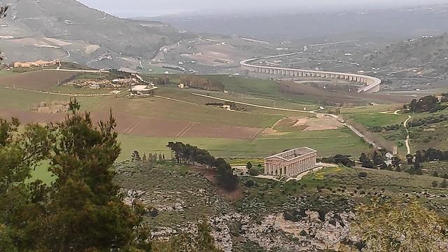 Blick auf den Tempel von Segesta