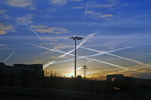 dawn sunrise contrails clouds sky skies london heathrow airport