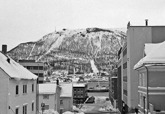 Tromso i el Storstein / Tromso under Storstein