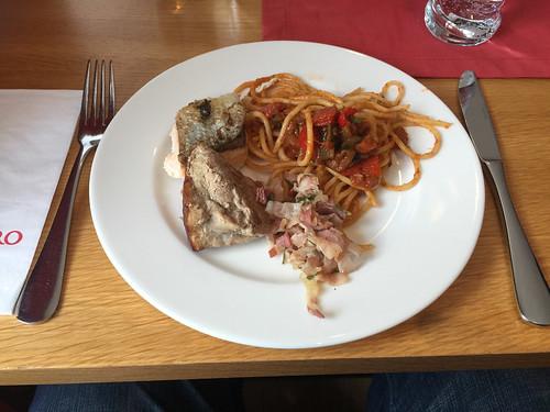 53 - Vom Mittagsbuffet - Dormero Hotel Kelheim