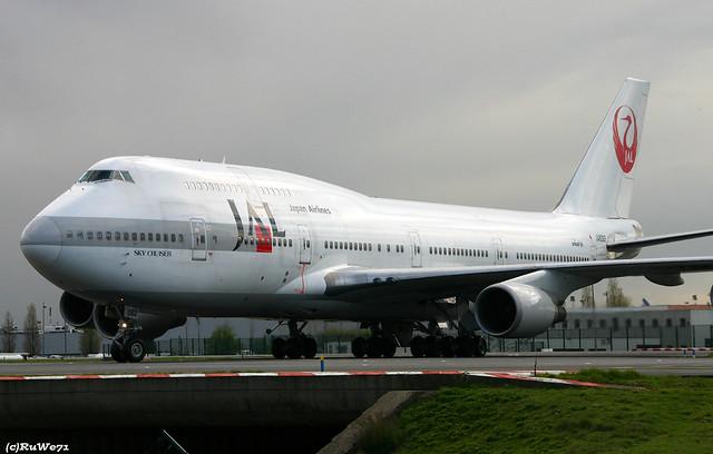 Japan Airlines Boeing 747-446 JA8082 / CDG