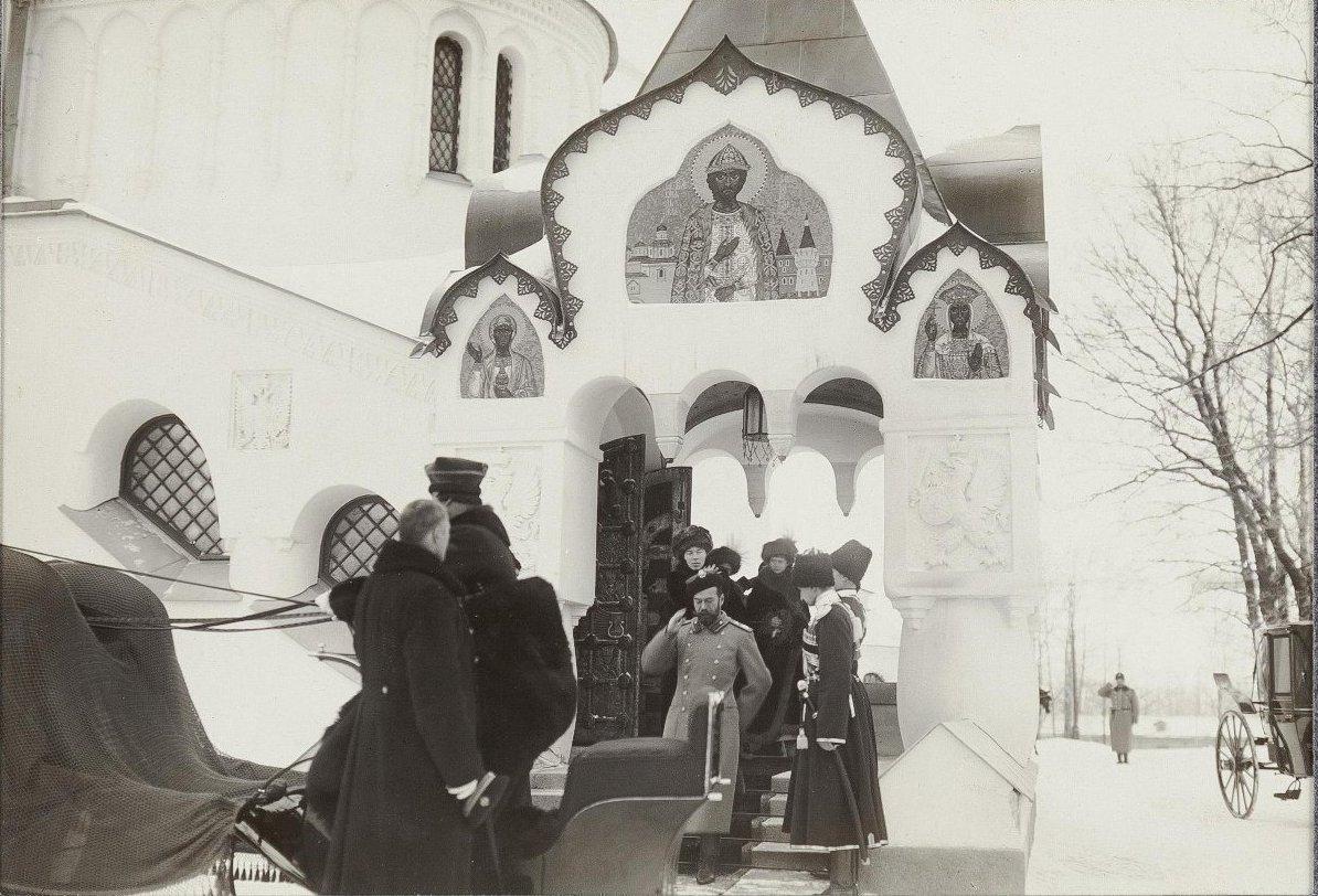 1913. Посещение церкви Сводного полка. Царское Село. Январь .