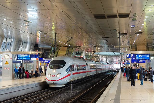 40x.xxx-x DB, ICE 913, Frankfurt am Main Flughafen Fernbahnhof