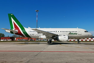 Alitalia A319 | by Enrico Bonaga