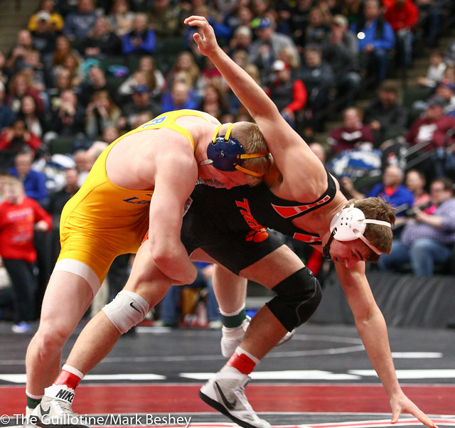 195 - Semifinal - Calvin Sund (Prior Lake) 38-0 won by fall over MacAron Kukowski (Farmington) 23-3 (Fall 5:33) - 190302amk0143