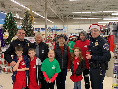 SPD Participates in Shop with a Cop | by speedwaycommunitypolicing
