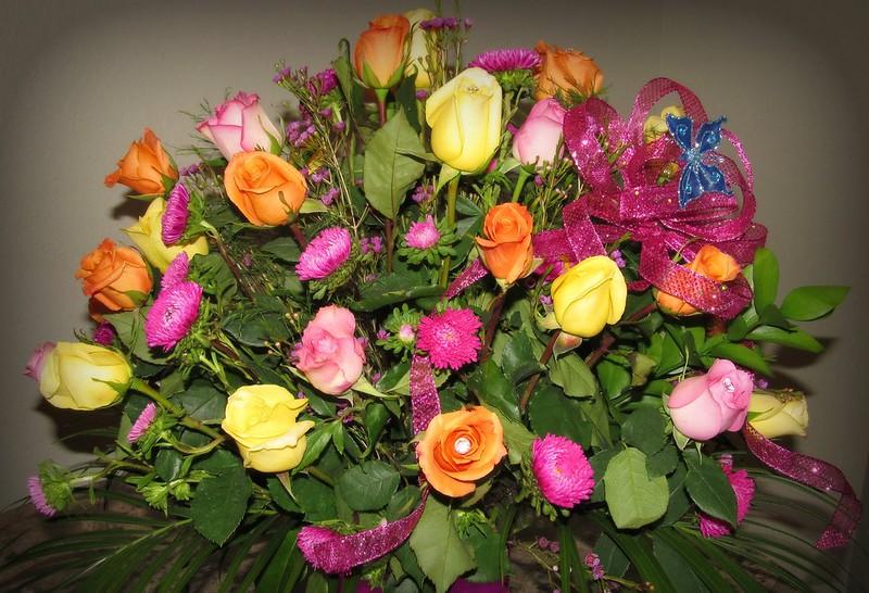 Обои цветы, розы, букет, бантик картинки на рабочий стол, раздел цветы - скачать