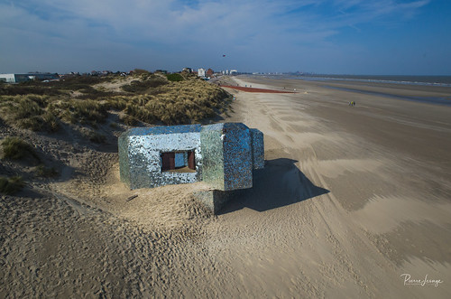 Kite Aerial Photography on Leffrinckoucke Mirror bunker | by Pierre Lesage