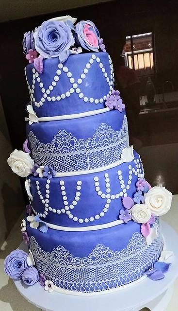 Cake by Meenu Narang of Meenu's Bakes