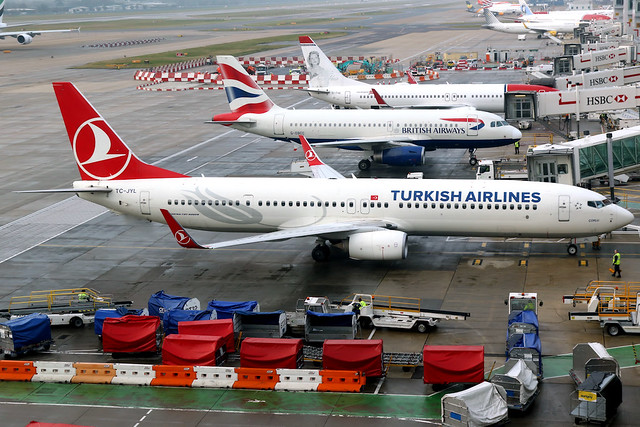 Turkish Airlines | Boeing 737-900ER | TC-JYL | London Gatwick