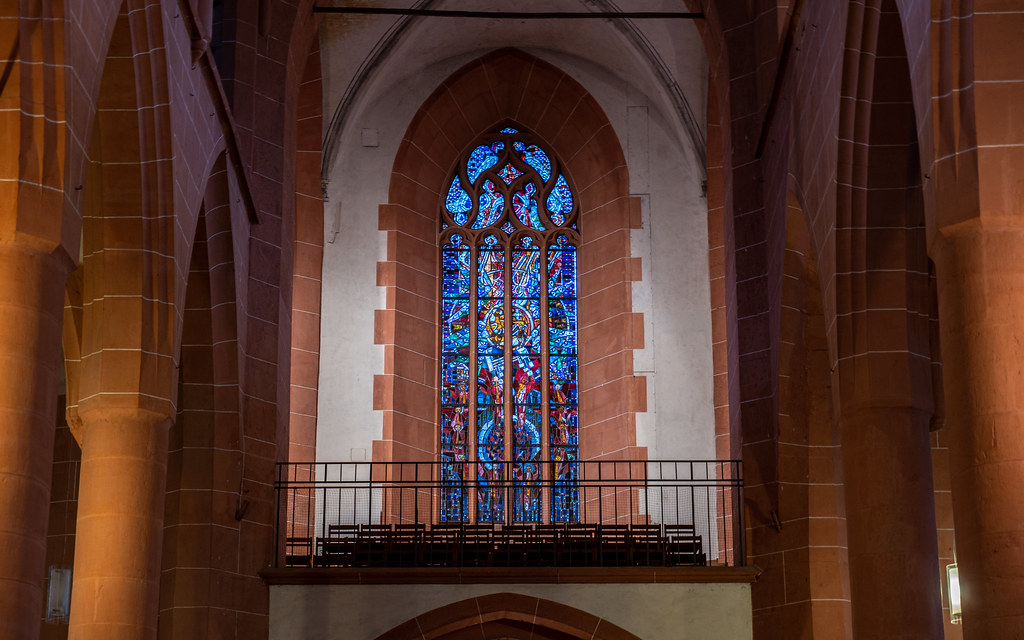 stained glass in Heiliggeistkirche