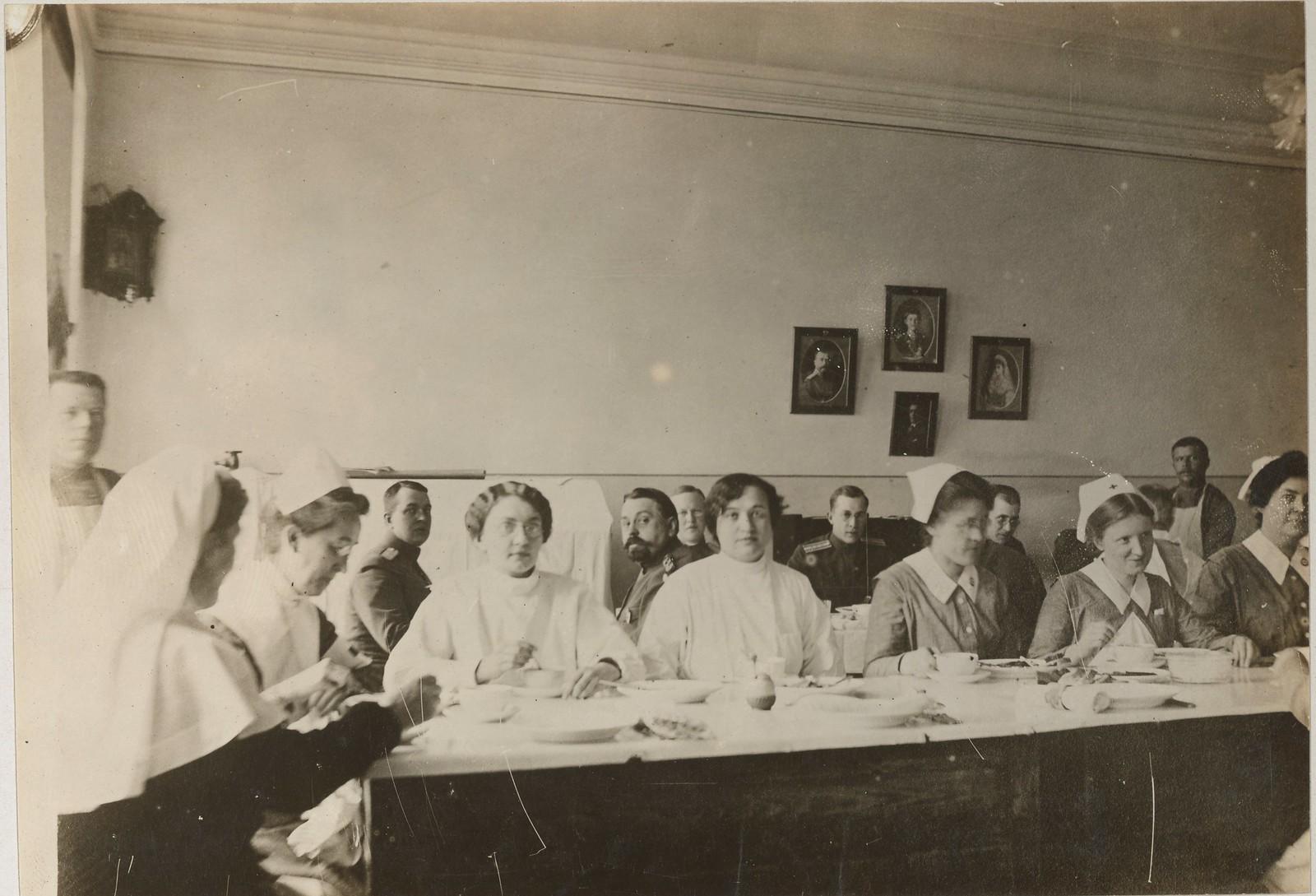 Столовая для медсестер и врачей