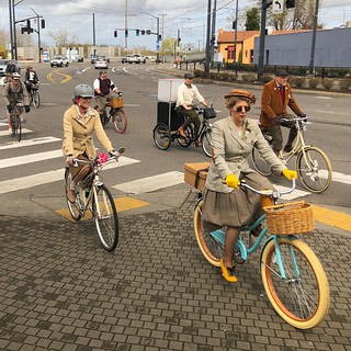 Portland Tweed Ride: Rolling into Kenton. | by urbanadventureleaguepdx