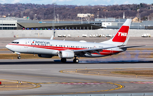 minneapolisstpaulinternationalairport msp kmsp mspairport aviation avgeek speciallivery twa heritage retro special livery n915nn americanairlines boeing 737 b738 737800 737823