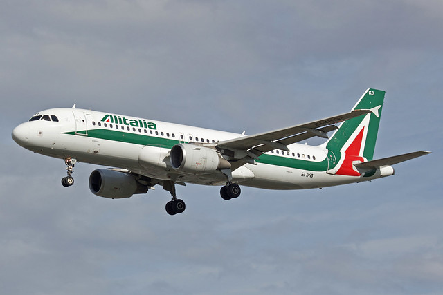 Alitalia Airbus A320-214 EI-IKG