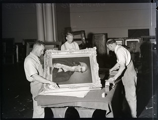 Painting conservators, Mitchell Building, State Library of New South Wales, 29.10.1943, Pix Magazine