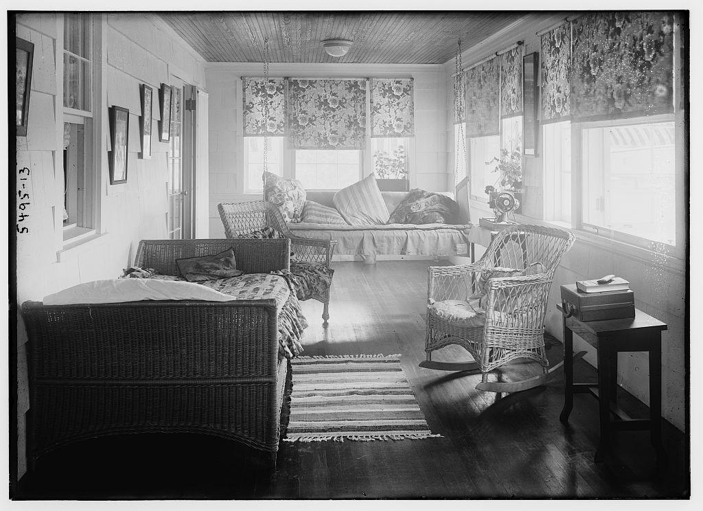 [Bedroom] (LOC)