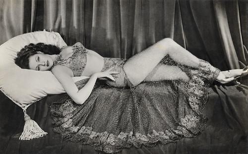 Yvonne De Carlo in Salome Where She Danced (1945)