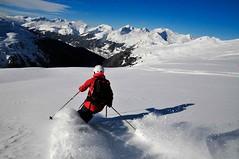 Davos z rozlehlých a neskutečně volných plání freeridového areálu Pischa. V pátek tam jezdilo tak maximálně 40 lidí.