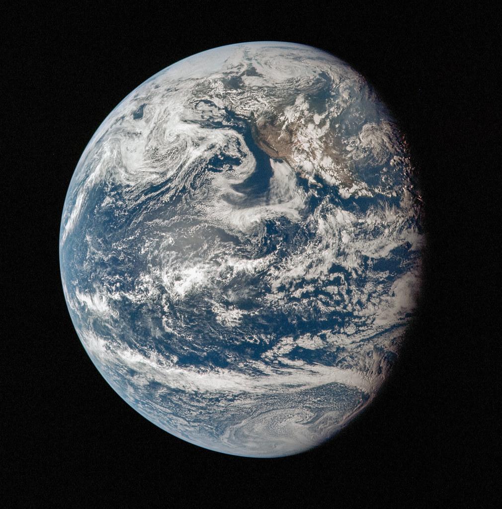 Earth - Apollo 11 | Source raw image: flic.kr/p/y7EgeJ | Kevin Gill | Flickr