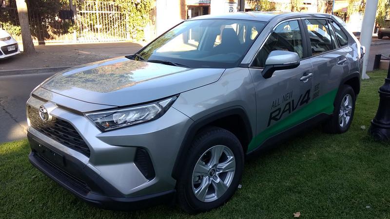 Toyota Rav4 2.0 LE 2019