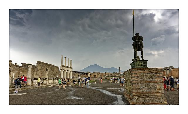 Ciel orageux sur Pompei...