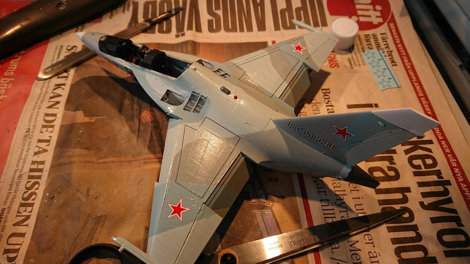 Ett par tumvantar - Yak-130 Mitten - Zvezda 1/48 - Sida 5 32613059487_b2155135e0_h