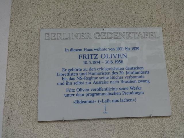 2009 Berlin Berliner Gedenktafel Dichter Dr. jur. Fritz Oliven (1874-1956) wohnhaft Giesebrechtstraße 11 in 10629 Charlottenburg