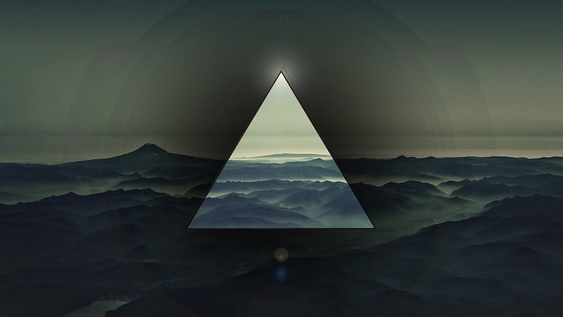 Обои треугольник, све, темный картинки на рабочий стол, фото скачать бесплатно