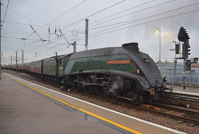 A picture from December, Locomotive No.60009 'Union of South Africa' draws out of the Down Goods Loop and into Ely station, enroute from Southall to Norwich. 05 12 2018