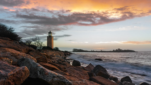 2018 averypoint connecticut connecticutphotographer d750 dawn december landscapephotographer lighthouse longislandsound morning naturephotographer nikon sunrise winter digital water groton unitedstates us greatphotographers greaterphotographers