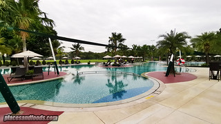 eastin thana city resort pool | by placesandfoods.com