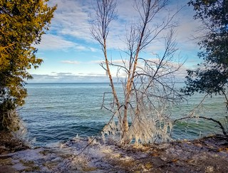door-county-1-cave-point | by wistraveler