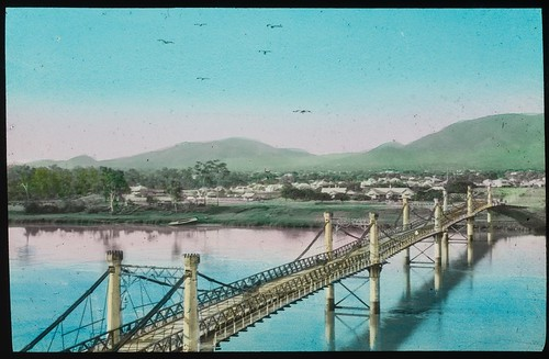 Fitzroy River suspension bridge, Rockhampton, Queensland, ca. 1910