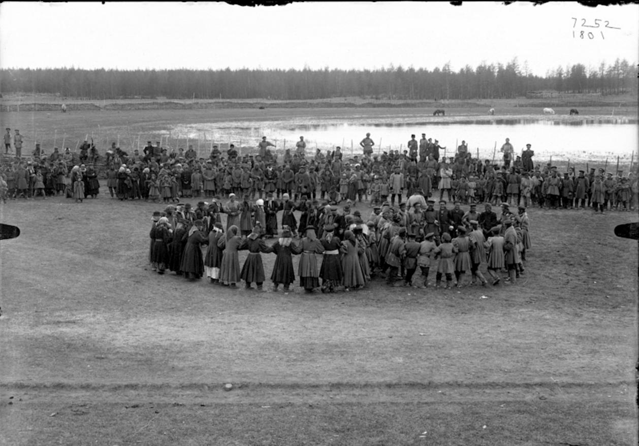 Окрестности Якутска. Праздник Ысыах в Чурапче. 1902