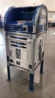 Grand Rapids, Michigan - R2-D2 Mailbox   by Darrell Harden