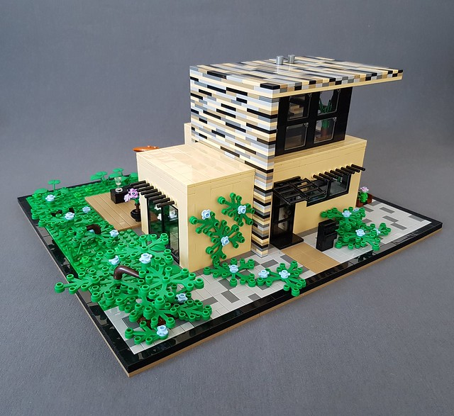 Vanilla House MOC tree corner