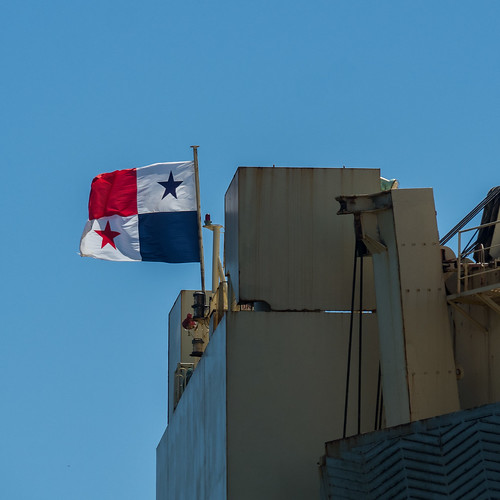 Panama flag flying on the transom of the Dream Diamond | by aushiker
