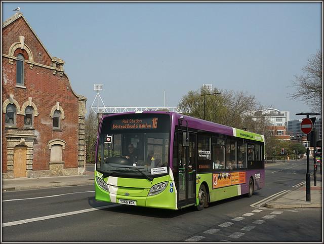 Ipswich Buses 106 (YX66 WCK)