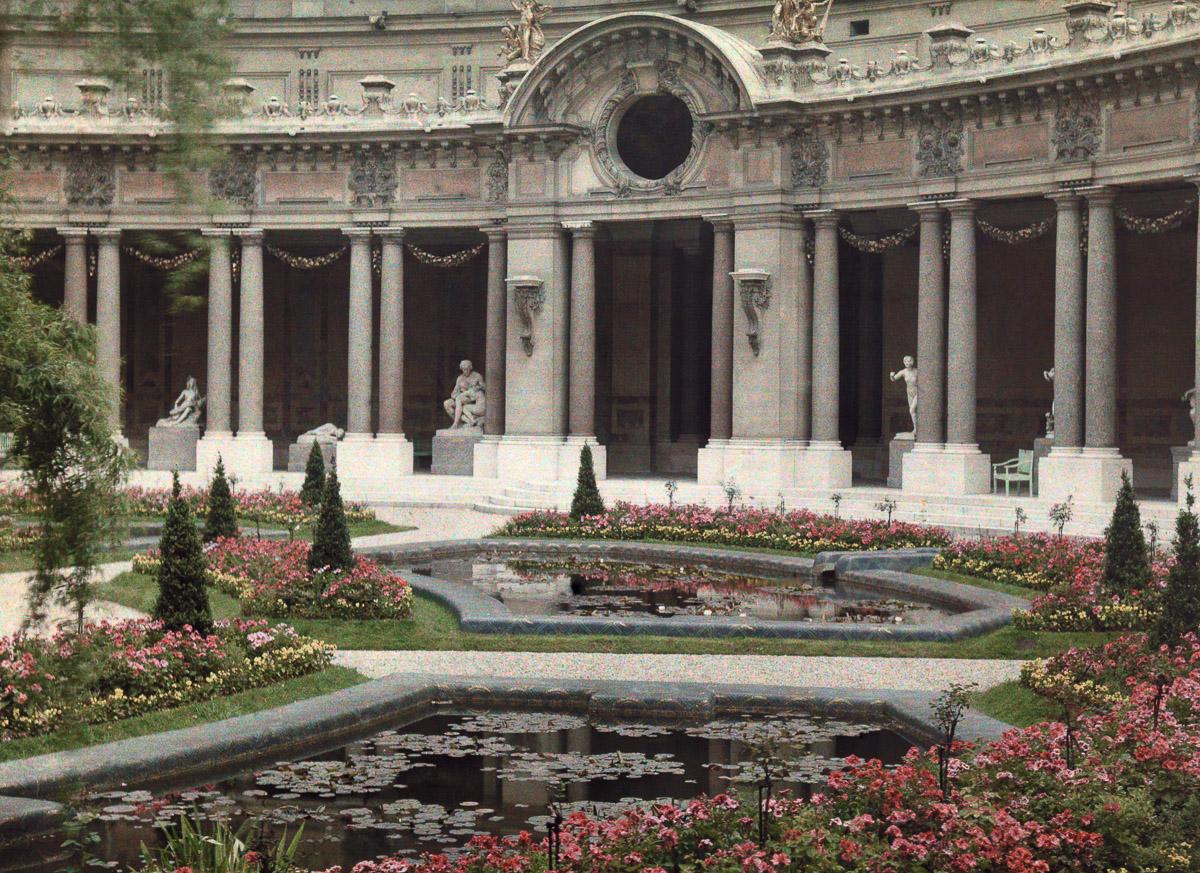Сад в классическом стиле с прудами