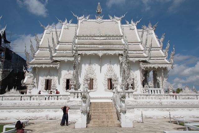Wat Rong Khun in profile