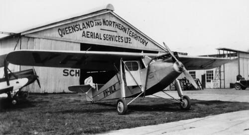 queensland statelibraryofqueensland qantas aviation airlines aircraft airplanes archerfieldairport koolhovenfk41 vhulx