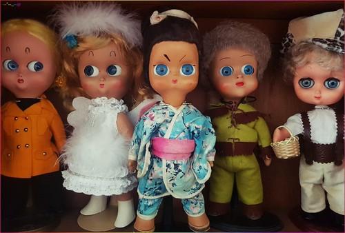 2019-01 famiglia di bambole   by Panno Inno and her Blythes