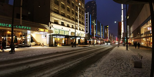 Walking along #GranvilleStreet after a snow day DT