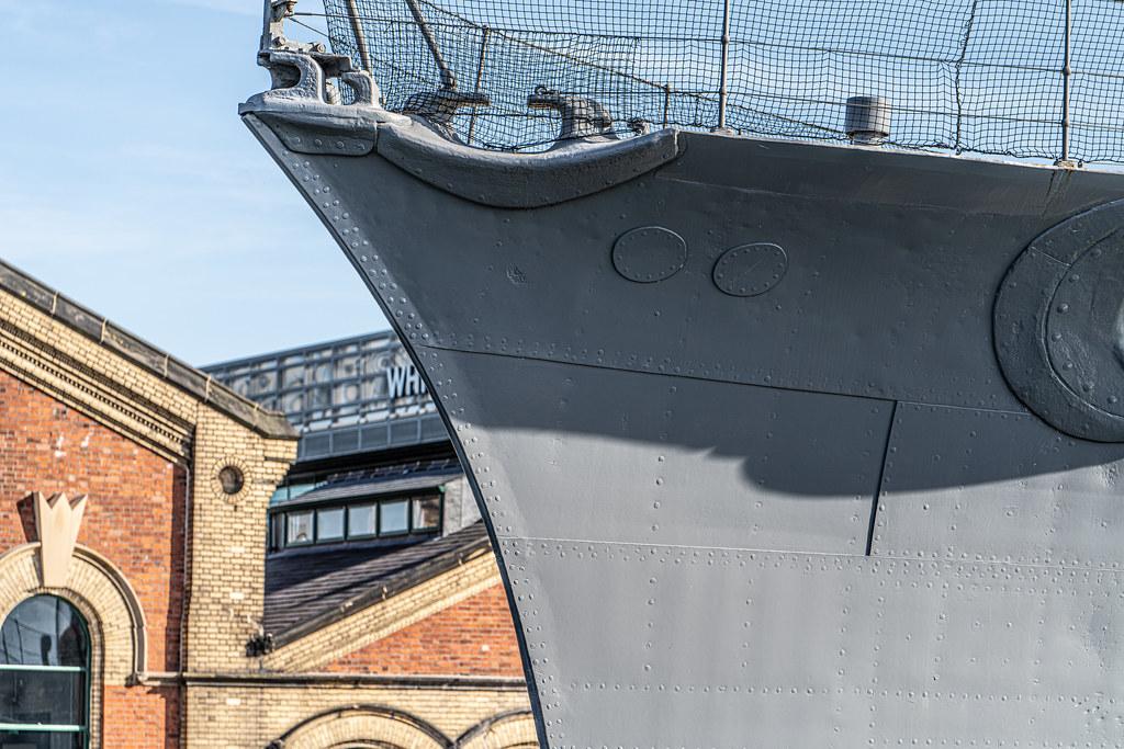 THE HMS CAROLINE ENTERED SERVICE IN 1914 AND NOW IT IS A FLOATING MUSEUM IN BELFAST 004