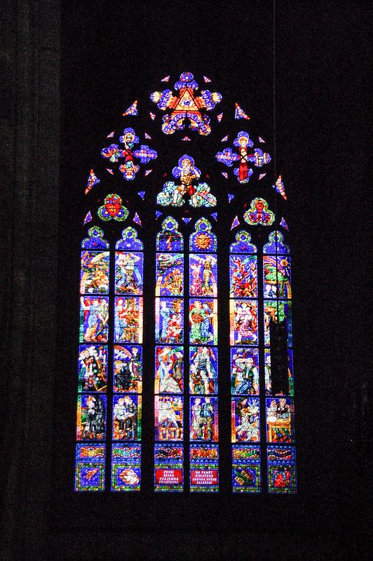 北面彩繪玻璃 3
