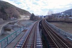 左が旧山田線、右は釜石線。被災を免れた区間でもJR東により軌道改良工事が施工された