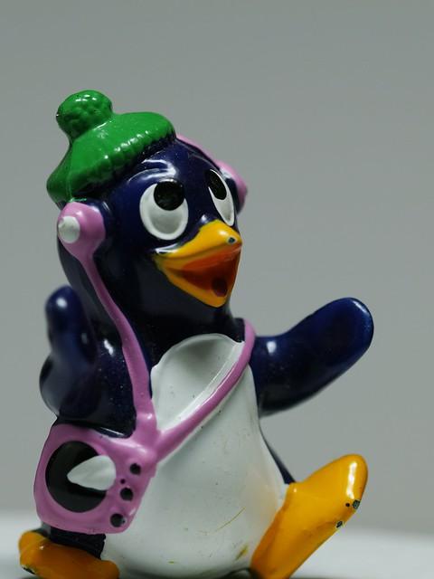 penguin loves music